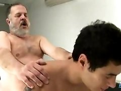 bear;dad;daddy;twink;son;uncle;nephew;chub;father;boy;blowjob;fuck;hardcore;cum,Daddy;Twink;Gay Party Planning Daddy